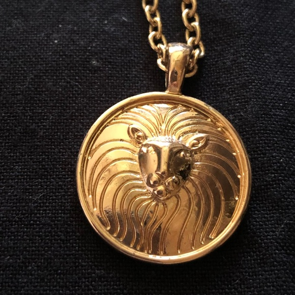 Urban Outfitters Jewelry - 🌈5/$25🌈 Lion medallion necklace